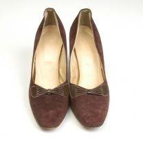 sz 8 9 Brown High Heels 1970s Pumps Suede Leather Pleated Bow Shoes - Fashionconstellate.com