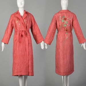 Medium 1930s Pink Robe Quilted Asian Inspired Silk Floral Embroidered Dressing Gown
