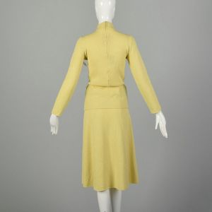 Small 1970s Novelty Horse Knit Separates Long Sleeve Yellow Outfit Top Skirt Separates - Fashionconstellate.com