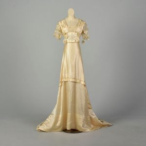 XS 1800s Victorian Wedding Dress Silk Gown Floral Applique Short Sleeve Study As Is - Fashionconstellate.com
