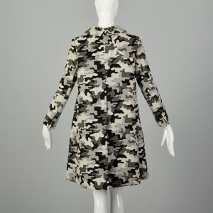 Small 1960s Mod Winter Coat Psychedelic Gray Winter Tonal Outerwear - Fashionconstellate.com