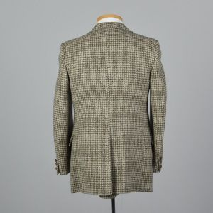 Medium 38R Mens 1970s Blazer Gray and White Tweed Houndstooth Two Button Jacket - Fashionconstellate.com
