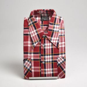 Medium 1970s Deadstock Mens Red Plaid Cotton Flannel Shirt Long Sleeve Two Pockets Button Front  - Fashionconstellate.com