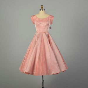 Medium 1950s Dress Pink Fit and Flare Circle Skirt Prom Evening Gown
