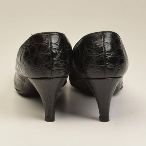 1960s 7 Narrow Black Alligator Pumps Black Kitten Heels Exotic Leather Shoes  - Fashionconstellate.com