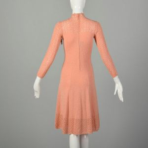 Medium 1970s Knit Dress Peach Spring Sweater Long Sleeve - Fashionconstellate.com