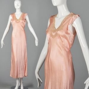 Medium 1940s Pink Nightgown Lightweight Silky Feel Lace Applique Flutter Sleeve Lingerie