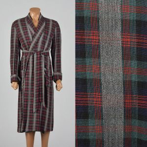 Medium 1950s Mens Deadstock Robe Long Sleeve Plaid Cuffed Sleeve Shawl Collar