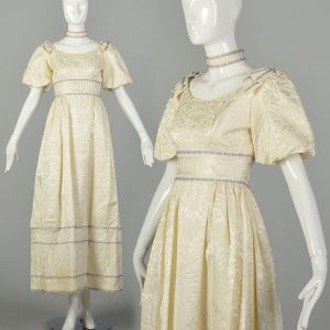 XS 1960s Bridal Gown Short Sleeved Wedding Dress Ivory Brocade with Matching Choker