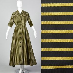 XS 1950s Striped Dressing Gown Pockets Pleated Full Skirt Button Front Yellow Black Stripes Long