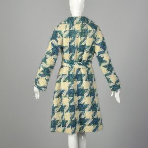 Medium 1960s Coat Lilli Ann Cream & Teal Chunky Boucle Tweed Trench Woven Houndstooth Pattern  - Fashionconstellate.com