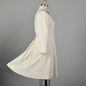 Medium 1960s White Knit Princess Coat with Huge Buttons Autumn Outerwear  - Fashionconstellate.com