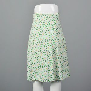 Small 1970s Wrap Skirt Green Daisy Floral Print Knee-length Summer Coverup  - Fashionconstellate.com