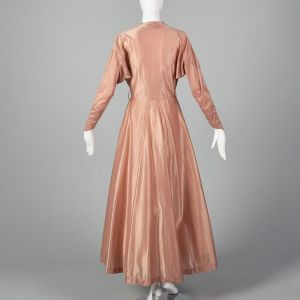 Small 1950s Schiaparelli Robe Pink Dressing Gown Long Sleeve House Coat Wrap Pin Up Boudoir  - Fashionconstellate.com