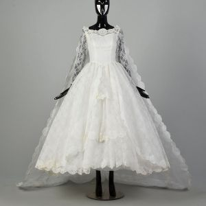 XS 1950s Chantilly Lace Bridal Gown Removable Train White Lace Fairytale Princes Wedding Gown