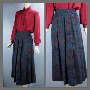 Pleated Multi Colored Paisley Midi Skirt,  Made in Austria, Size 40, W28, Size 7, Geiger