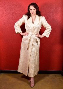 1940s Ivory Quilted Lounge Robe by Diana Dean USA