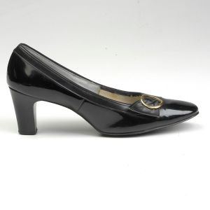 SZ 7 Black Shoes 1960s Patent Round Square Toe Chunky Heel