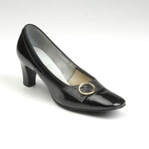 SZ 7 Black Shoes 1960s Patent Round Square Toe Chunky Heel - Fashionconstellate.com