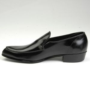 Size 11 1960s Deadstock Black Leather Formal Loafers Pumps Slip On Dress Shoes - Fashionconstellate.com