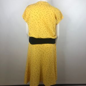 Vintage 80s Lucky Barbara Yellow Black Geometric Knit Blouse Skirt Set Size L Made In The USA - Fashionconstellate.com