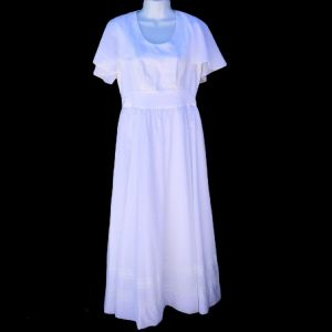 Vintage 70s Handmade White Chiffon Lace Wedding Dress Attached Capelet Size 10