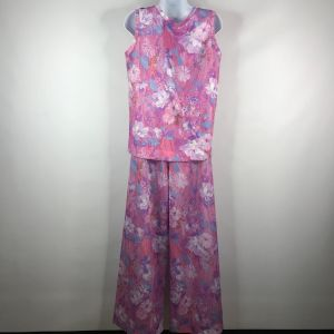 Vintage 70s Pink Purple Floral Polyester 2-Piece Sleeveless Top Palazzo Pants Set Size 14 - Fashionconstellate.com