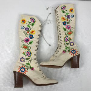 RARE Vintage 1975 Jerry Edouard White Floral Beaded Embroidered Granny Boots Size 7.5